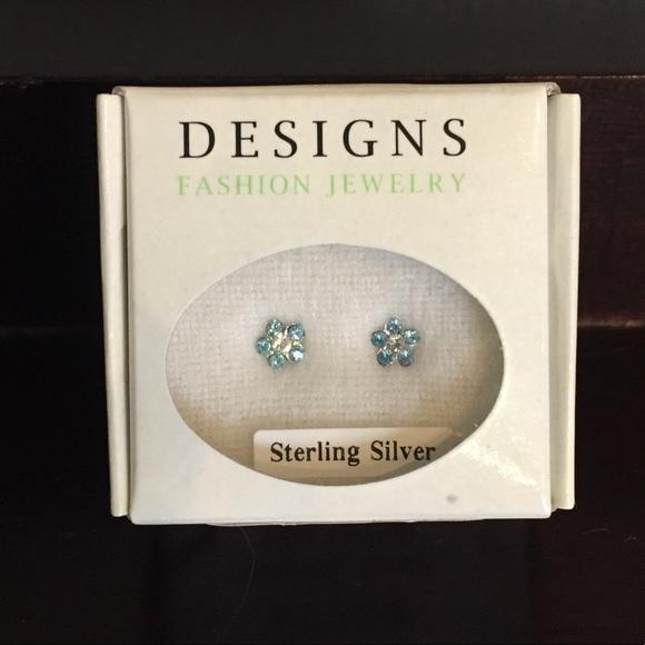 Sterling silver swarovski crystal daisy earrings